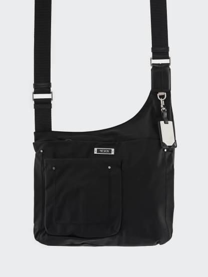 TUMI 黑色滑面尼龍斜背包