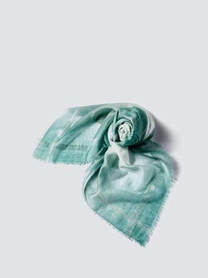 TAN MAY Edge silk dyeing 經典邊蠶絲緞染羊絨方巾 - 湖水綠