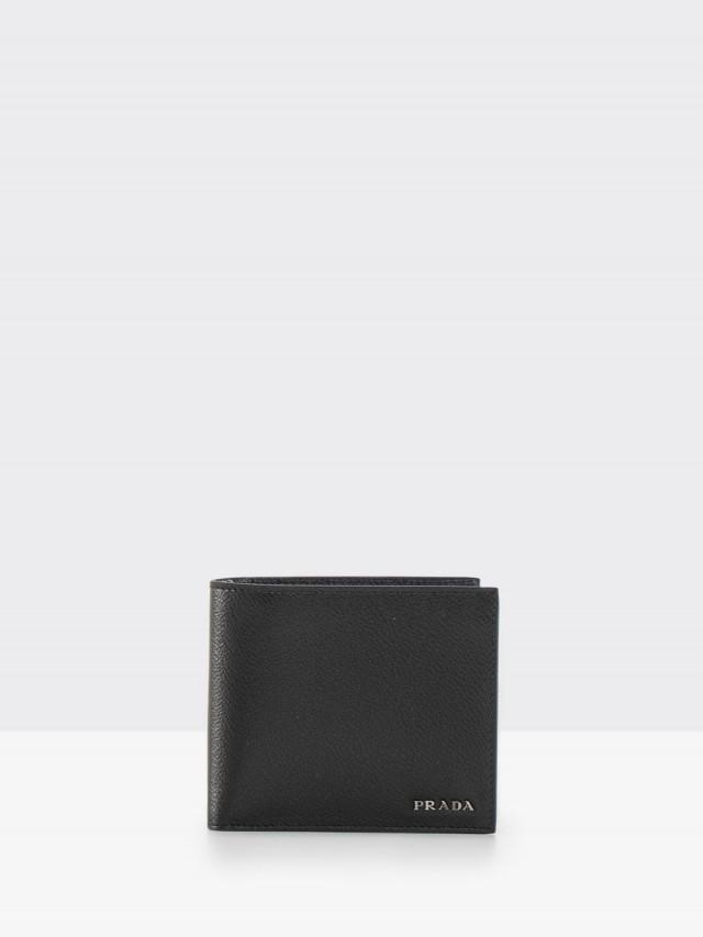 PRADA SAFFIANO METAL 系列金屬 LOGO 荔枝牛皮對折零錢短夾 - 黑