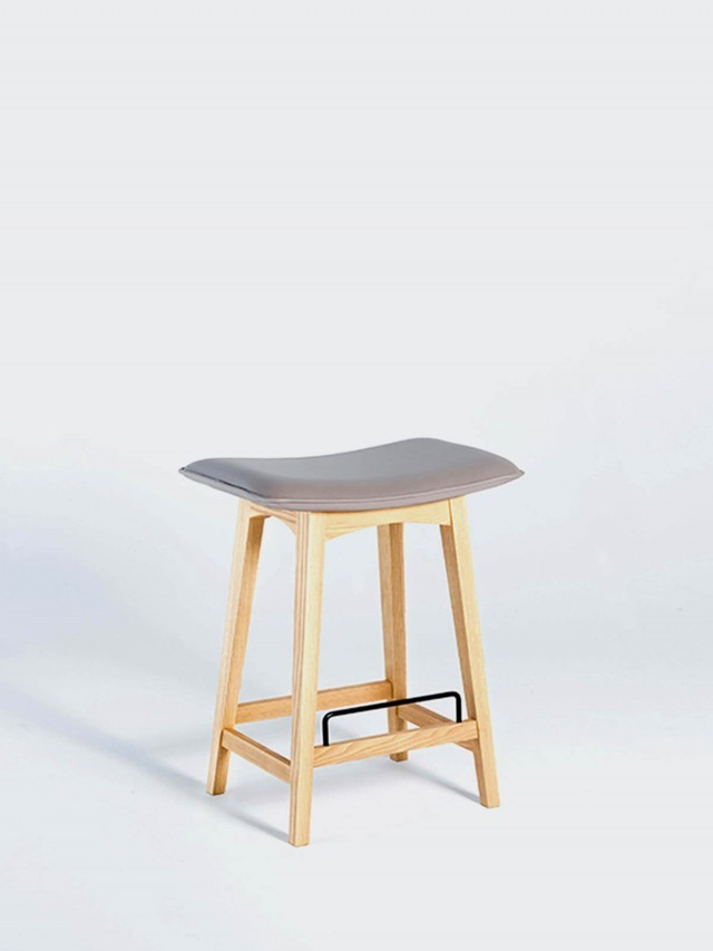 viithe Tacit Bar Stool 默契吧椅 - 自然色