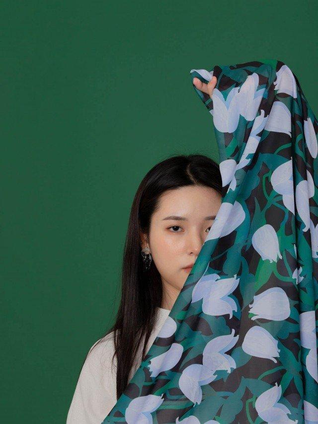 SEW INCORPORATION 繁花印花絲質長巾