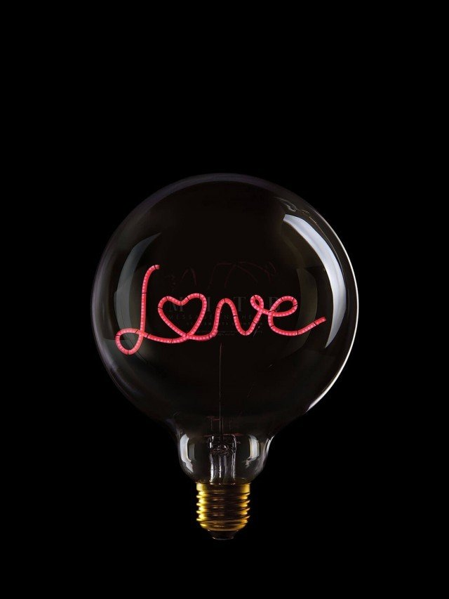 MESSAGE IN THE BULB 造型 LED 燈泡 - Love ( 透面紅燈 )