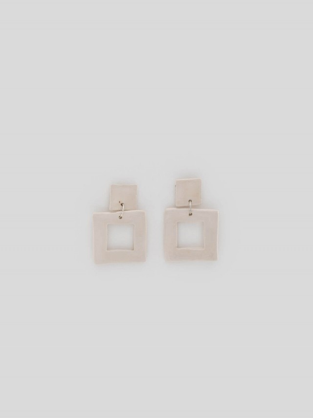 LEVENS 耳環 L SQUARE WHITE EARRINGS x 乳白色