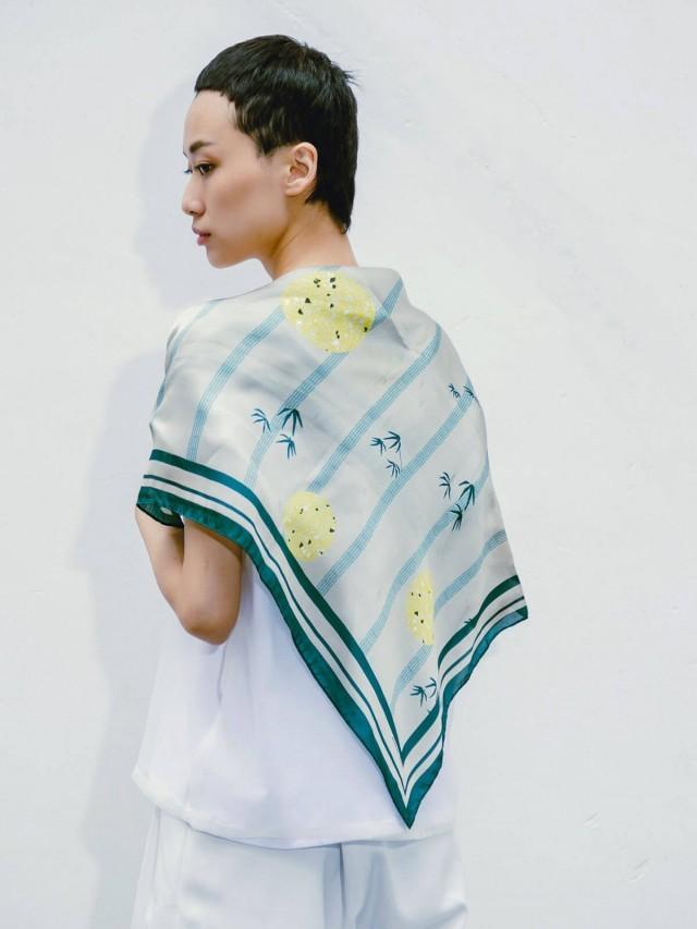 SEW INCORPORATION 墨綠竹林絲巾