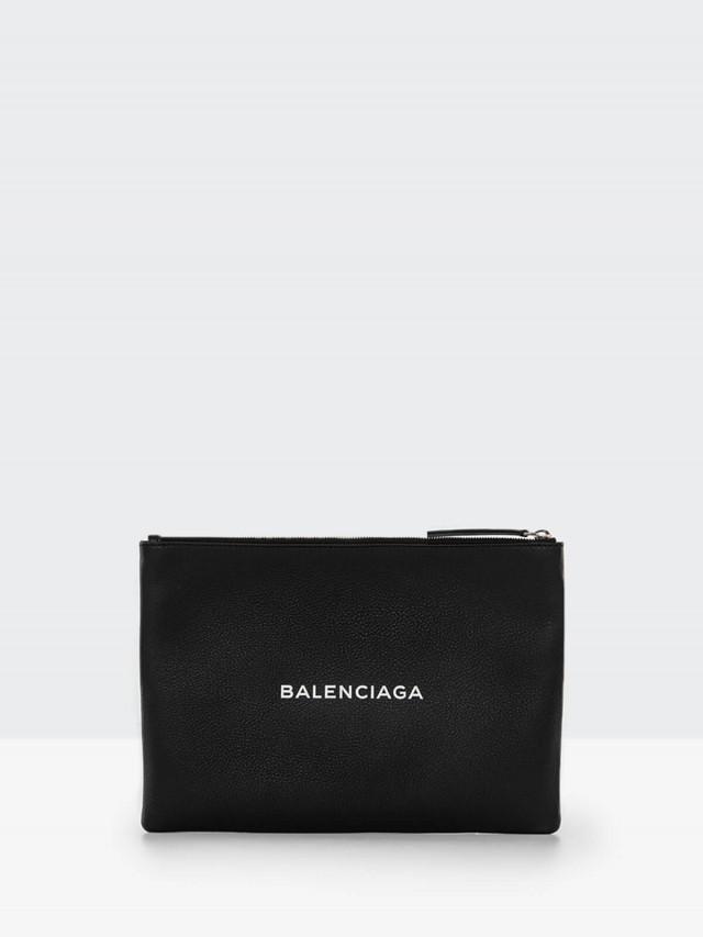 BALENCIAGA EVERYDAY 系列 LOGO 壓紋小牛皮拉鍊手拿包 - 黑