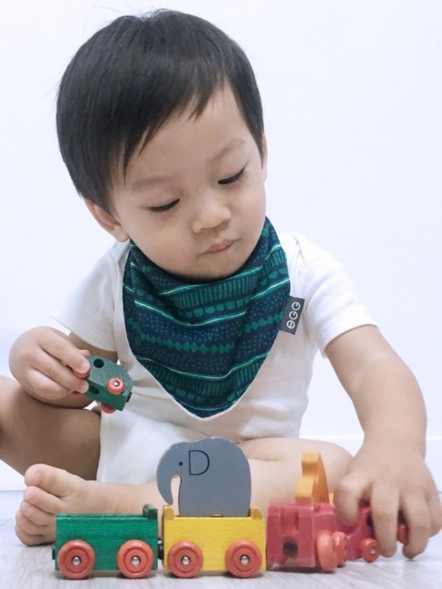 OGG 喔咯 三角口水巾 - 甜甜馬戲團 / 酷克獅 / 綠
