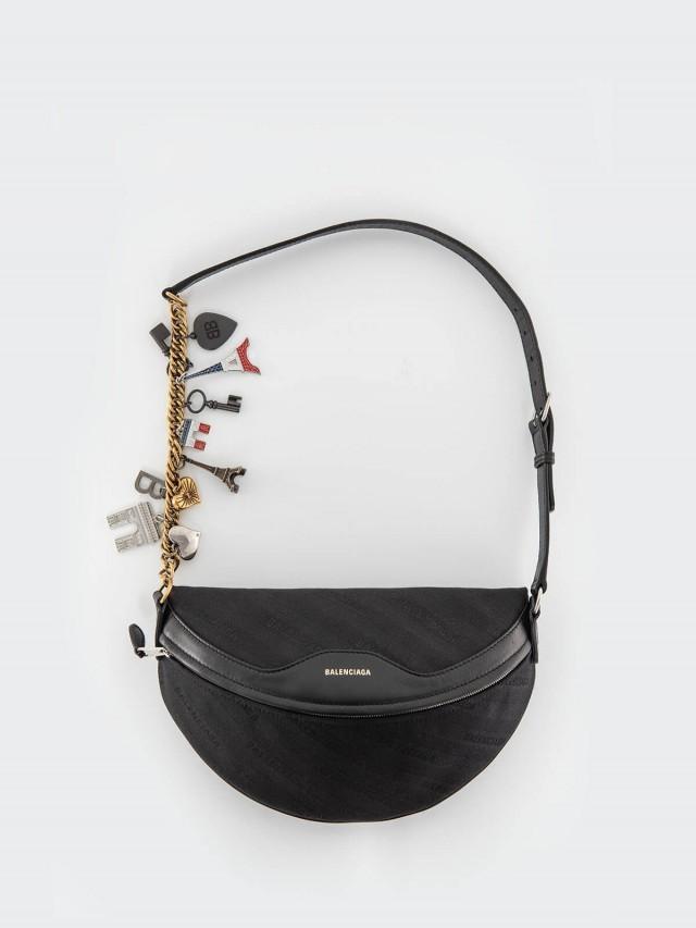 BALENCIAGA 新款緹花標識搭紀念吊飾揹帶斜跨包 / 腰包 x 黑色