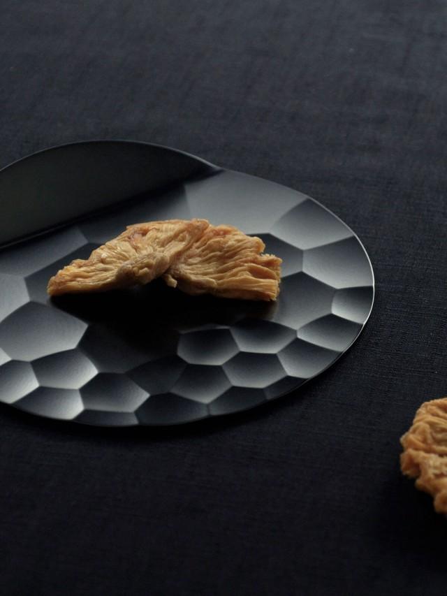 DOUXTEEL Shimmer Platter 月涼如水點心盤 - 霧黑