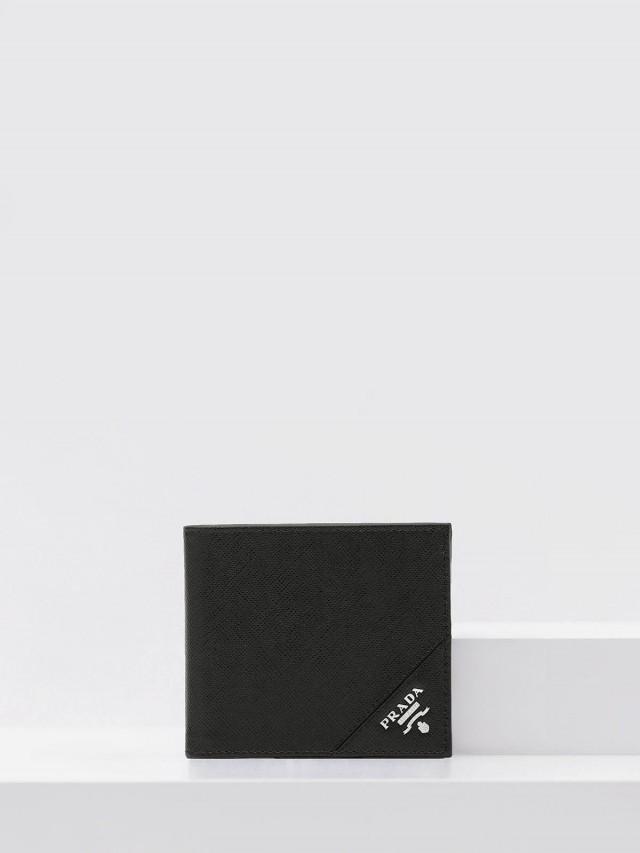 PRADA Saffiano 銀字防刮牛皮對折短夾 - 黑