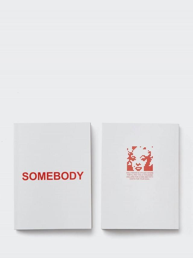 25TOGO DESIGN SOMEBODY ? 名人筆記本 - 紅色夢露款