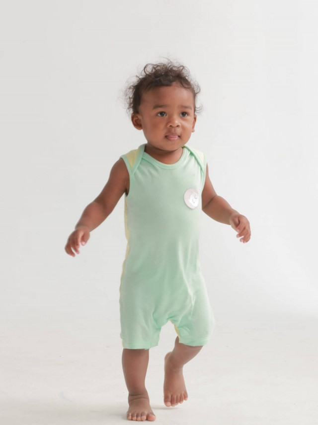 baby baby cool 運動風背心連身褲 x 藍綠