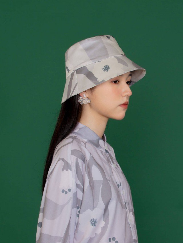 SEW INCORPORATION 繁花緞面印花漁夫帽 - 粉灰色
